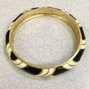 Amazing J Crew gold and enamel bangle! ❤️